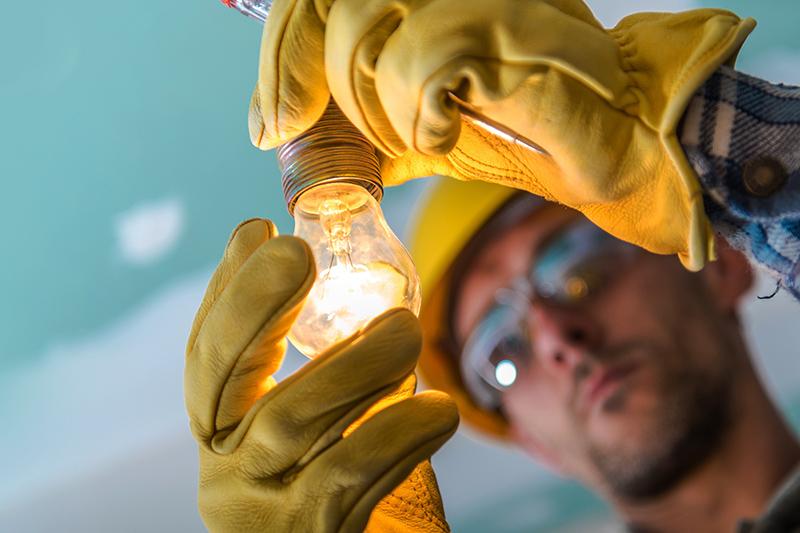 Noul Regulament pentru autorizarea electricienilor